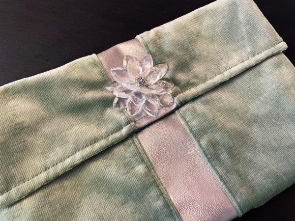pochette en velours, fleurs, suisse